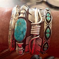 love the stacked bracelets!
