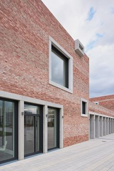 "Gallery of School and Community Center ""B³ Gadamerplatz"" / Datscha Architekten - 11"