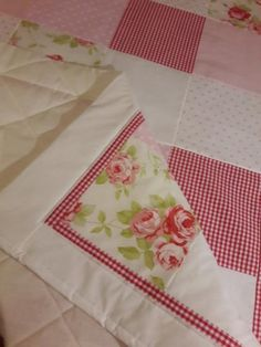 Tilkkupeitto 95x150 cm Quilts, Blanket, Eggs, Quilt Sets, Blankets, Log Cabin Quilts, Cover, Comforters, Quilting