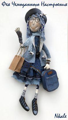 Elena Voynatovskaya   VK Paper Dolls, Art Dolls, Fabric Doll Pattern, Denim Rug, Denim Crafts, Fabric Toys, Old Jeans, Sewing Dolls, Recycled Denim