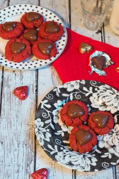 Valentine's Day : Dessert : Red Velvet Peanut Butter Cup Blossoms are a great Valentine's Day treat from The Girl In The Little Red Kitchen Valentines Day Treats, Holiday Treats, Holiday Recipes, Valentine Cupcakes, Heart Cupcakes, Pink Cupcakes, Cookie Desserts, Just Desserts, Delicious Desserts