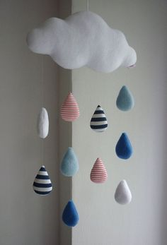 Baby-Mobile - Regenwolke Wolke Rain cloud decorative baby mobile from alelale on Etsy Cool Baby, Baby Kind, Baby Baby, Baby Dyi, Baby Diy Toys, Sew Baby, Baby Fabric, Fabric Toys, Paper Toys