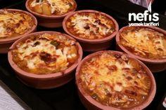 Kiremitte Kaşarlı Güveç Tarifi Turkish Kitchen, Eggs, Dinner, Breakfast, Food, Kitchens, Drinks, Recipes, Dining