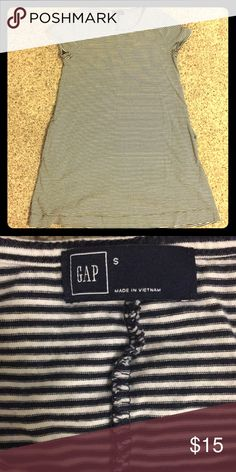 GAP cotton mini-dress with pockets This is a cozy striped mini dress that looks great with Converse sneakers or your favorite flip flops. Perfect for spring and summer! GAP Dresses Mini