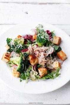 Sałatka z tuńczykiem i brokułami