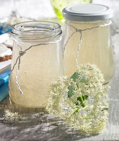 Ein fruchtiges Gelee mit Sekt Clean Eating Tips, Clean Eating For Beginners, Healthy Eating Tips, Healthy Nutrition, Easy Healthy Recipes, Chutneys, Elderberry Recipes, Jam And Jelly, Kitchens