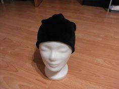Beanie Mütze aus Nicki Schwarz Handarbeit