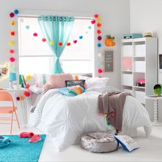 Decorating a dorm room is a piece of cake with affordable bedding and accessories from JCPenney. decor diy videos Decorating a dorm room is a piece of cake with affordable bedding Girl Bedroom Designs, Room Ideas Bedroom, Diy Bedroom Decor, Tween Room Ideas, Bedroom Ideas For Small Rooms For Girls, Preteen Girls Rooms, Preteen Bedroom, Modern Girls Rooms, Girl Rooms