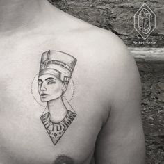 What does queen nefertiti tattoo mean? We have queen nefertiti tattoo ideas, designs, symbolism and we explain the meaning behind the tattoo. Dope Tattoos, Unique Tattoos, Body Art Tattoos, New Tattoos, Small Tattoos, Sleeve Tattoos, Tattoos For Guys, Script Tattoos, Arabic Tattoos