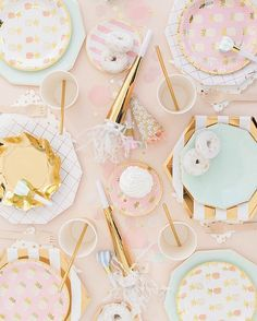 WEBSTA @ ohhappydaypartyshop - Prettiest pink and mint and shiny rose gold! ✨we sell everything down to the gold straws in the shop! Shop.ohhappyday.com