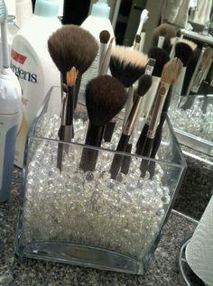 Genius way to organize your makeup brushes