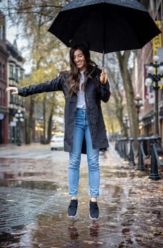 Say goodbye to wet socks and clunky rain boots. Don't compromise style for functionality, enjoy the best of both worlds with Vessi waterproof sneakers. Waterproof Sneakers, Knit Shoes, Feet Care, Shopping Websites, Pretty People, Rain Boots, Fashion Accessories, Shoes Sneakers, Footwear