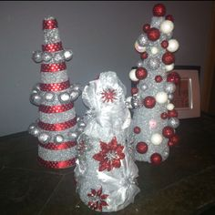 DIY for the girls thursday Xmas craft!  What a great way to get rig of mis-matched bows, ribbon and holiday paper!!!