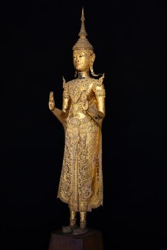 Standing Buddha Statue, Culture Of Thailand, Art Thai, Southeast Asian Arts, Luang Prabang, Hindu Deities, Buddhist Art, National Museum, Tibet