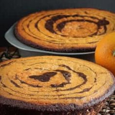 This amazing Vegan Orange Chocolate Cake will leave you speechless - from the flavors to the zebra design, it's going to impress the pickiest eaters! Frosting Recipes, Cake Recipes, Vegan Recipes, Dessert Recipes, Dessert Ideas, Dinner Recipes, Chocolate Orange, Vegan Chocolate, Chocolate Cake
