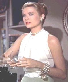 Grace kelly in edith head design 39 rear window 39 1954 for Grace kelly fenetre sur cour