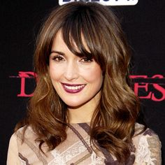 rose byrne hair: long layers and side-swept bangs