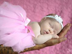 Pink tutu. New Born pictures