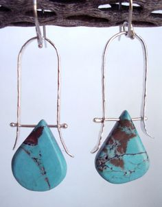 Earrings - Turquoise - Sterling Silver- Trapeze Hoop - Soldered Rivets - Silversmith - RMD Designs via Etsy Wire Wrapped Jewelry, Metal Jewelry, Jewelry Art, Beaded Jewelry, Silver Jewelry, Jewelry Design, Jewelry Ideas, Wire Earrings, Earrings Handmade