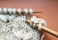Comment tricoter le point pissenlit - how to knit the dandelion stitch Knitting Stiches, Crochet Stitches, Hand Knitting, Tunisian Crochet, Crochet Granny, Loom Knitting, Stitch Patterns, Knitting Patterns, Crochet Patterns