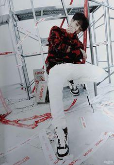 Kim Ji Won, Hanbin, Bobby, Kpop, Wallpaper, Friends, Fall, Amigos, Autumn