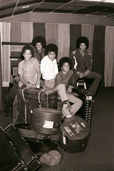 The Jackson 5 Photos Of Michael Jackson, Michael Jackson Rare, Michael Love, You Are The Sun, You Are My Life, Jackson Family, Jackson 5, Name Pictures, Family Bonding