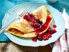 Leicht und lecker: Low Carb-Pfannkuchen sind das perfekte Sonntagsfrühstück für Figurbewusste. Und so gelingt die Zubereitung.