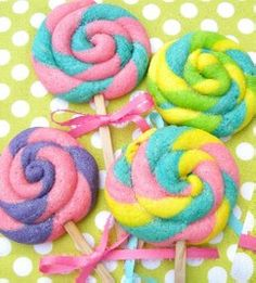 Lollipop Cookies~ How to make lollipop sugar cookies.~ By Sweet Sugar Belle, pink, Blue, Yellow, green Bake Sale Treats, Bake Sale Recipes, Bake Sale Cookies, Fun Recipes, Candy Themed Party, Candy Land Theme, Lollipop Cookies, Sugar Cookies, Anniversaire Candy Land