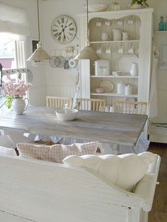 Sweet white dining room ~ lovingly repinned by www.skipperwoodhome.co.uk