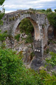 Ponte dell'Abbadia a Vulci  detto anche ponte del Diavolo #scoprirelatuscia