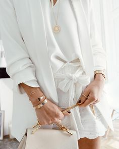 Fall 2011 is just around the corner, and now is a great time for women to consider adding some stylishly … Gold And White Outfit, Gold Outfit, White Outfits, White Gold, Minimalist Chic, Minimalist Fashion, Formal Business Attire, Stylish Work Outfits, Trending Today