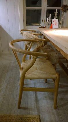 Lönntorp : Köket äntligen färdigt i.o.m att stolarna äntligen... Decor, Wishbone Chair, Chair, House, Home Decor, Furniture