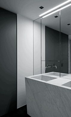 Bathroom, minimal, black, white Suzon Ingber & Associates + Mayot-Coiffard Architects, House VDB.