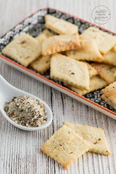 Backen macht glücklich | Selbstgemachte Cracker in nur 15 Minuten [Grundrezept] | http://www.backenmachtgluecklich.de