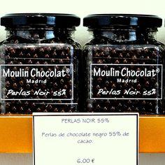 Perlas de chocolate 55% Cacao by Moulin Chocolat, Madrid
