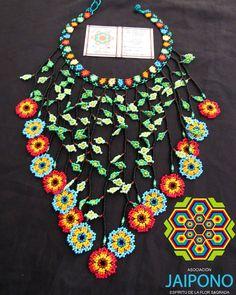 #collar #flor #mostacilla #tradiccion #cultura #embera #emberachami #indigenas #okama #colores #accesorios #moda #chaquira #expoferias #feriaartesanal #feriamanizales #Manizales #pereira #Bogota #medellin