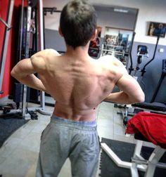 Last training this year ! Cobra back ! #naturalbodybuilding #bodybuilding #beastmode #aesthetic #aesthetics ##shredded #shredz #athlete #athletics #fit #fitness #fitnesslifestyle #bodybuildinglifestyle #eatclean #trainhard #ripped #nopainnogain #nevergiveup #nevergiveuponyourdreams #gymlife #gym #muscle #motivation #cobra #back #lowcarb by vasilijevratnica