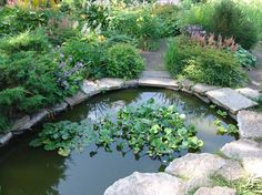 English Garden A pretty idea for a small pond. #garden