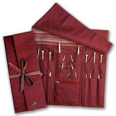 I need to make myself a knitting needle organizer like this.