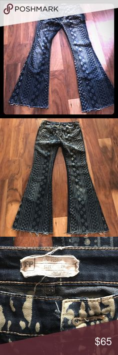 Free people bell bottoms Vero retro free people jeans! Super soft and comfy! Great condition.. just missing the button.. easy fix! Free People Jeans Flare & Wide Leg