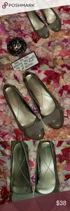 Naturalizer Patent Leather Flat In good condition. Need to check the size. Naturalizer Shoes Flats & Loafers
