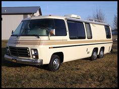 1976 GMC Motorhome was used for business. Loaded with a large computer. In those days computers were not small! Car Camper, Camper Caravan, Camper Van, Bus Motorhome, Airstream Trailers, Rv Homes, Motor Homes, Cool Campers, Rv Campers