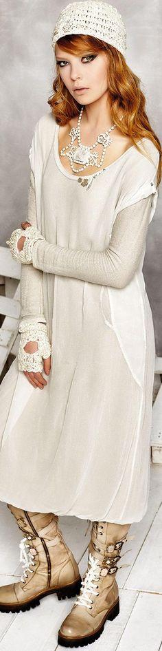 DANIELA DALLAVALLE ╬ ELISA CAVALETTI COLLECTION ♥FCL www.pinterest.com...