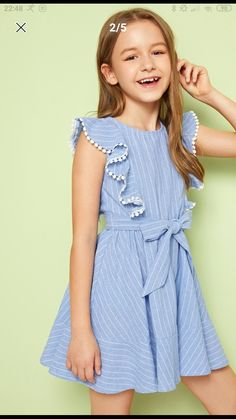 Frocks For Girls, Kids Frocks, Little Girl Dresses, Girls Dresses, Baby Dress Design, Frock Design, Girls Fashion Clothes, Kids Fashion, Fashion Dresses