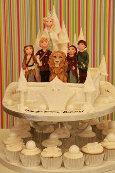 This is tied for the most terrific cake I have seen all day. All week, actually.