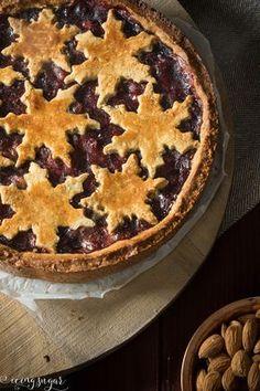 Glutenfreie Preiselbeer Linzertorte (glutenfree Christmas Linzer Tart) by Icing-Sugar.com