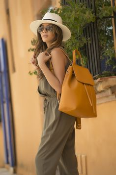 #BackToSchool #Combinalo #Imagen  #Estilo #Moda #Backpack #Hat