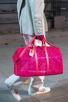 2020 New Louis Vuitton Handbags Collection for Women Fashion Bags Fall Handbags, Fashion Handbags, Purses And Handbags, Fashion Bags, Fashion Shirts, Tote Handbags, Fashion Fashion, Womens Fashion, Runway Fashion