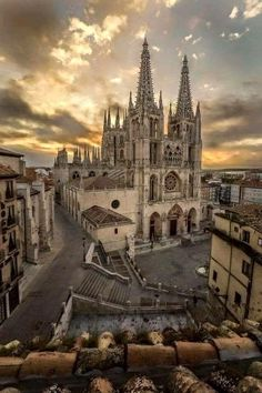 From our hotel window (Meson del Cid) on Perfect start to our rest day in Burgos! Places To Travel, Places To See, Spanish Sides, Old Churches, Spain And Portugal, Pilgrimage, Vacation Spots, Barcelona Cathedral, Sunrise