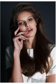 Mega Model Agency - Nibar